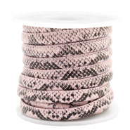 Gestikt imi leer 6x4 mm snake Light pink
