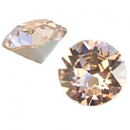 Swarovski Elements puntsteen SS39 (8mm) Silk beige