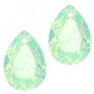 Hanger in druppelvorm  10x14mm Crysolite green opal