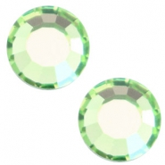 Swarovski Elements flat back SS30 (6.4mm) Peridot green